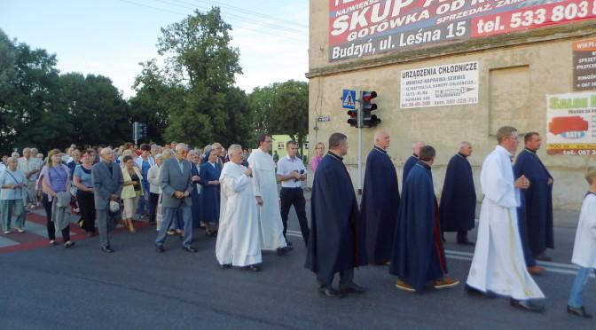 Procesja Maryjna z kościoła pw. św. Piotra i Pawła