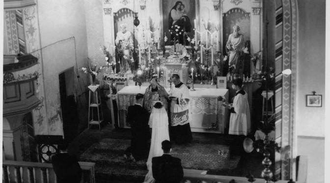 Apel o zdjęcia wnętrza Kościoła Św. Ap. Piotra i Pawła minionych lat