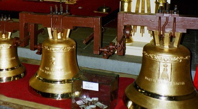 Na klasztornej wieży, wągrowczan biją dzwony !