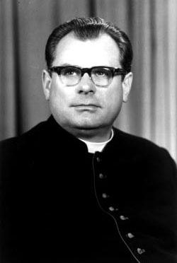 Wspomnienie o śp. Księdzu Infułacie Zenonie Willi,  w kolejną rocznicę śmierci … (1925 – 1998)